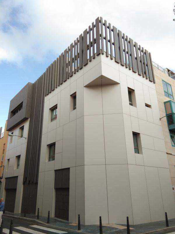 Edificio de viviendas en calle Cirilo Moreno con Uruguay, Las Palmas de G.C.