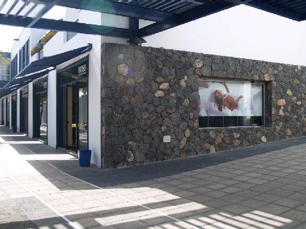 Locales para tienda de moda Hugo Boss en Puerto Calero, Lanzarote