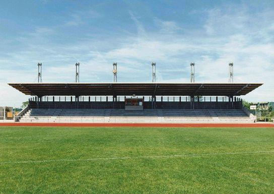 Tribuna cubierta y vestuarios del estadio Leutkirch, Leutkirch